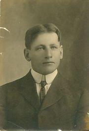 mens hair short in 1890s