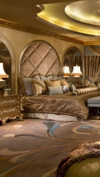 Luxury Mansion master bedroom, beautifully decorated ...