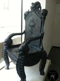 Black skull throne chair | Gothic decor | Pinterest | I ...