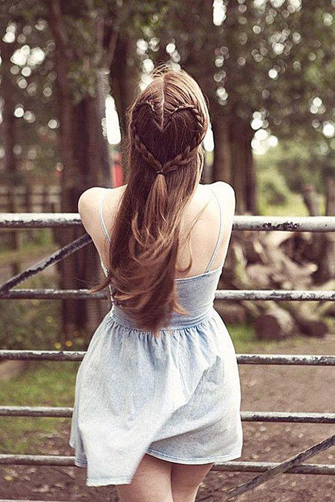 Die Besten 25 Frisur Offen Geflochten Ideen Auf Pinterest