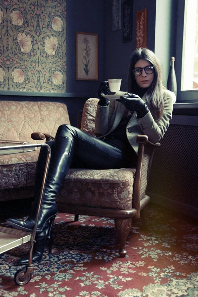 Best Girls Makeovers Wallpaper Black Leather Pants Tall High Heel Boots Leather Gloves