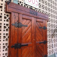 Love the old style double doors with iron hinges | Design ...