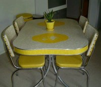 Retro kitchen table and chairs! | I want a 70's kitchen ...