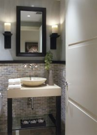 1000+ ideas about Small Half Bathrooms on Pinterest | Half ...