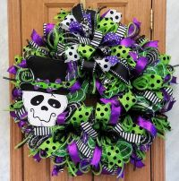 25+ best ideas about Skeleton decorations on Pinterest