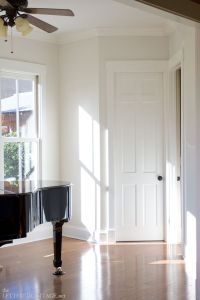 25+ best ideas about Benjamin Moore Cloud White on ...