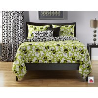 This lime green queen comforter set is exquisite in a ...