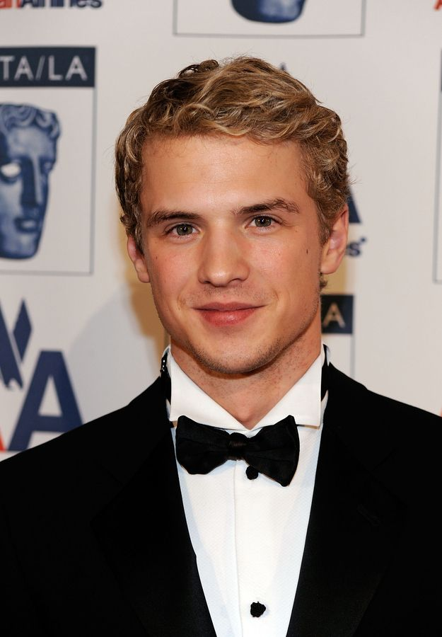 Freddie stroma pitch perfect abs