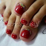 ideas red toenails