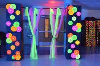 Best 25+ Neon decorations ideas on Pinterest | Glow party ...