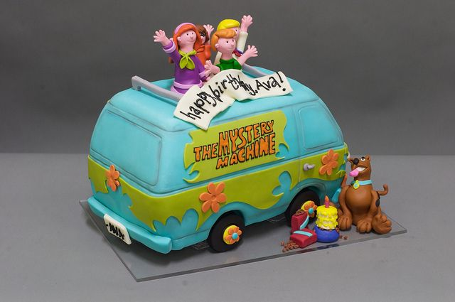 Mystery Machine Scooby Doo Cake by studiocake, via Flickr