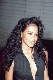 aaliyah curly hair