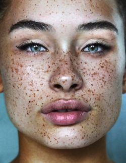 The freckles, the eyes, the lips. She is stunning!