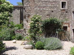 25 Best Ideas About Tuscan Garden On Pinterest Limestone Patio