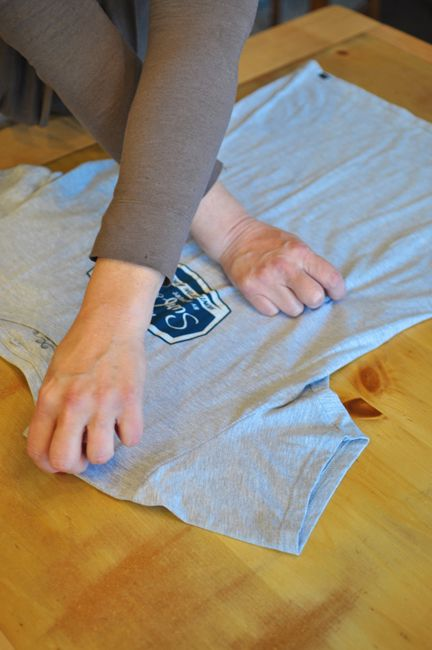 How To Fold A TShirt Like A Pro Video  Baking soda