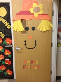 Happy fall y'all door decor