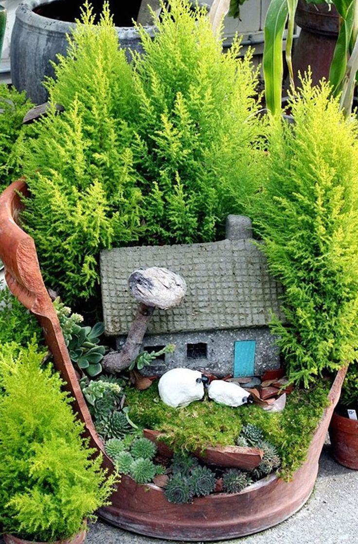 25 Best Ideas About Broken Pot Garden On Pinterest Fairy Garden