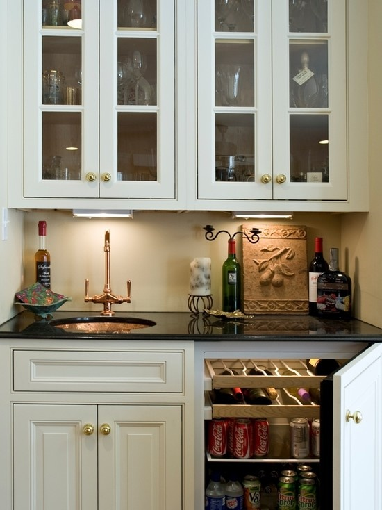 Traditional Family Room Small Home Bar Design Pictures Remodel Decor and Ideas  page 17