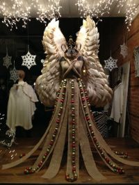 25+ best ideas about Christmas Window Display on Pinterest ...