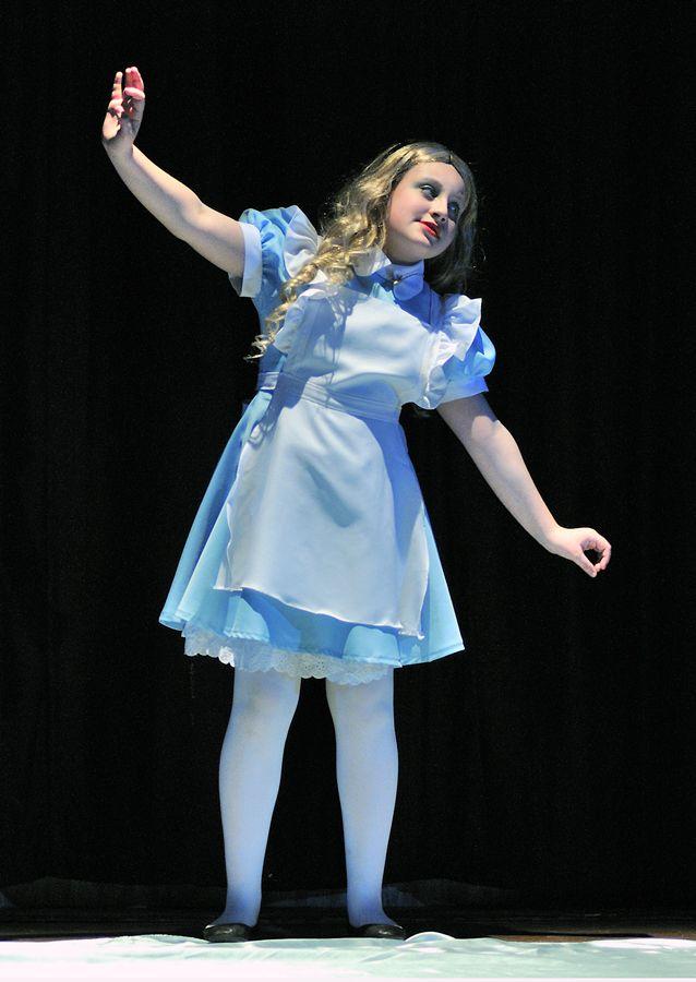 Alice In Wonderland Set Design Ideas Photo Of Alice In