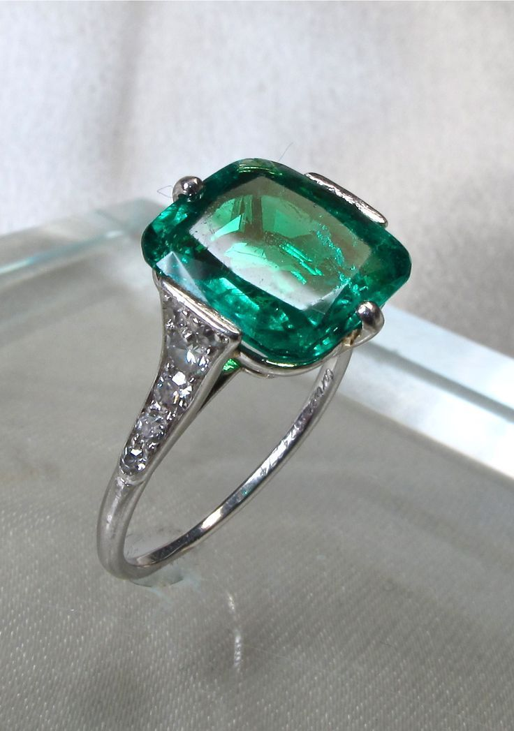 25 Best Ideas About Emerald Rings On Pinterest Green