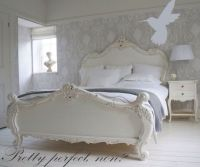 Shabby chic bedroom Laura ashley wallpaper | home decor ...