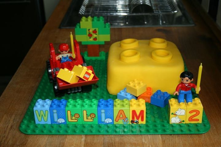 Lego Duplo 2nd Birthday Cake Fondant Cake Pinterest