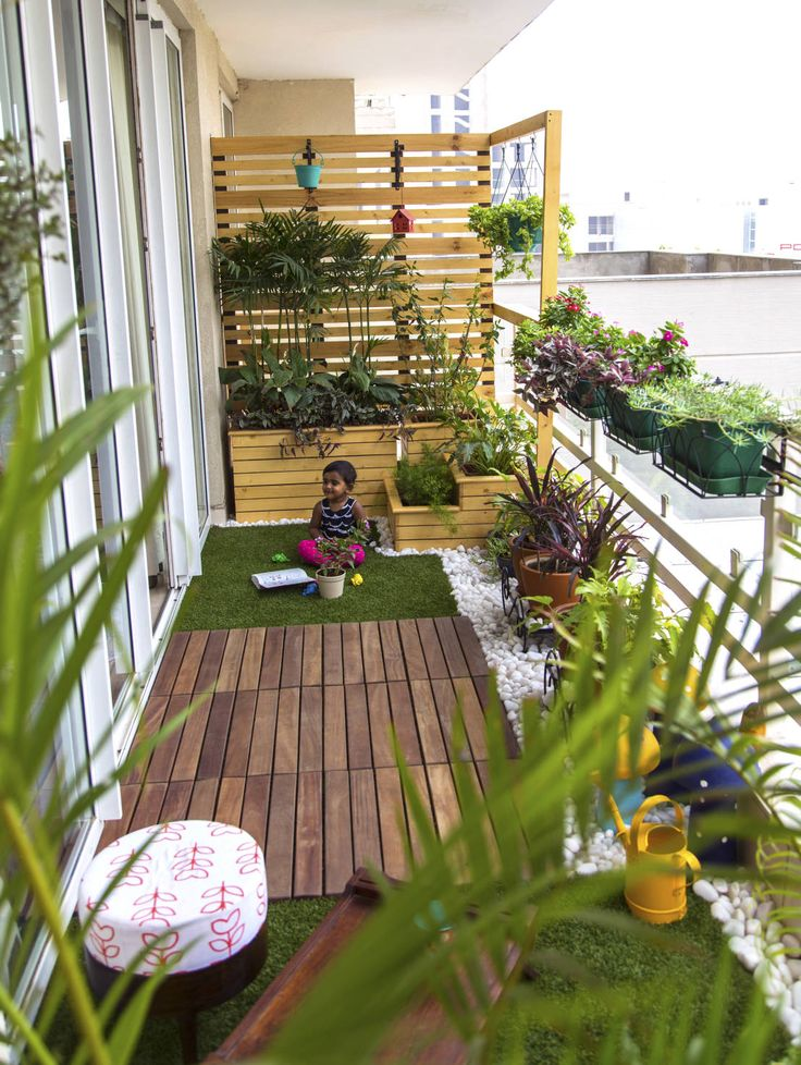 The 25 Best Ideas About Small Balcony Garden On Pinterest