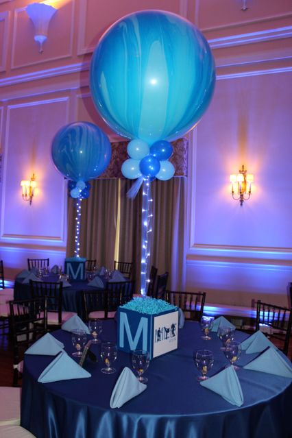 Photo Cube Centerpiece with Marble Balloons  Projects to