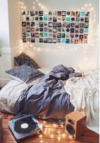 Urban outfitters Tumblr room and Dorm essentials on Pinterest