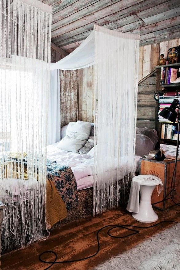 Love the rough/refined juxtapositions between Scando-ski chalet and luxe fabric, rich wood, etc…