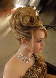 gorgeous hairstyle hair spotting
