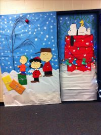 Christmas classroom door - do Xmas lights patterning on ...