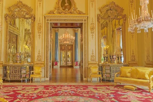 24 Best Images About CASTLES KINGS AND QUEENS On Pinterest St Petersburg Russia Pegasus And