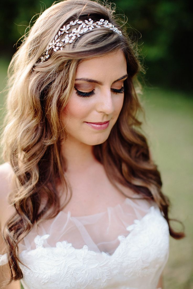 25 Best Ideas About Wedding Headband Hairstyles On Pinterest