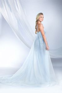 25+ best ideas about Frozen Wedding Dress on Pinterest ...