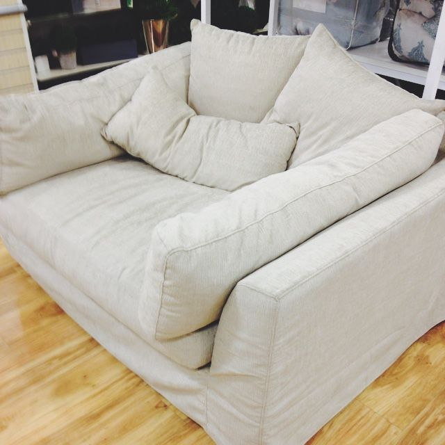Best 25 Oversized Couch Ideas On Pinterest Big Couch Cinema