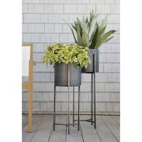 Tall Outdoor Plant Stand - WoodWorking Projects & Plans