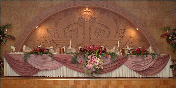 Decorating Studio 39s Wedding Head Table Cake Table