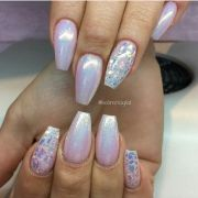 holographic iridescent pearl