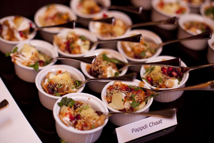 Pappadi Chaat Canapes #weddingfood Http://www.collection26