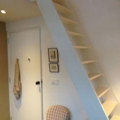 Small Corner Hutch Kitchen Red Clock Trap Naar Slaapvide | Kinderkamers Rooms For Children ...
