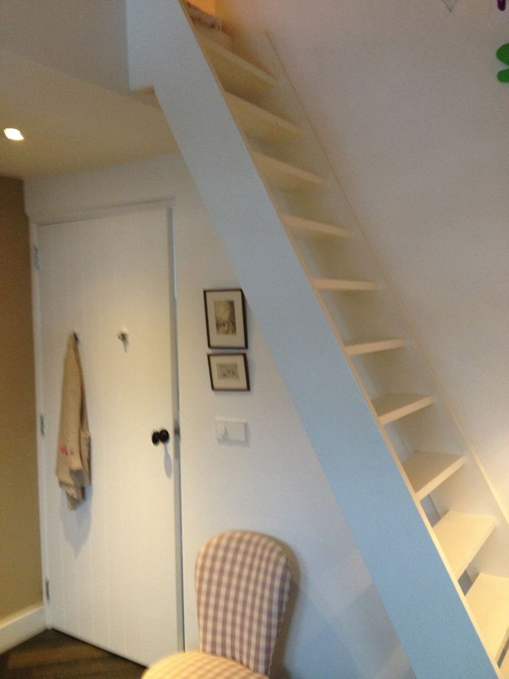 kitchen corner hutch accent table trap naar slaapvide | kinderkamers rooms for children ...