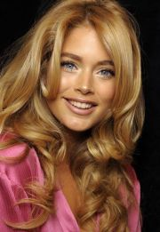 yellow-blond hair color - pesquisa