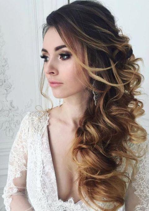 25 Best Ideas about Side Swept Curls on Pinterest  Side swept hairstyles Side curls and Side