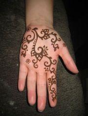 henna design hands arabic