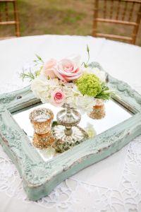 25+ best ideas about Vintage Wedding Centerpieces on ...