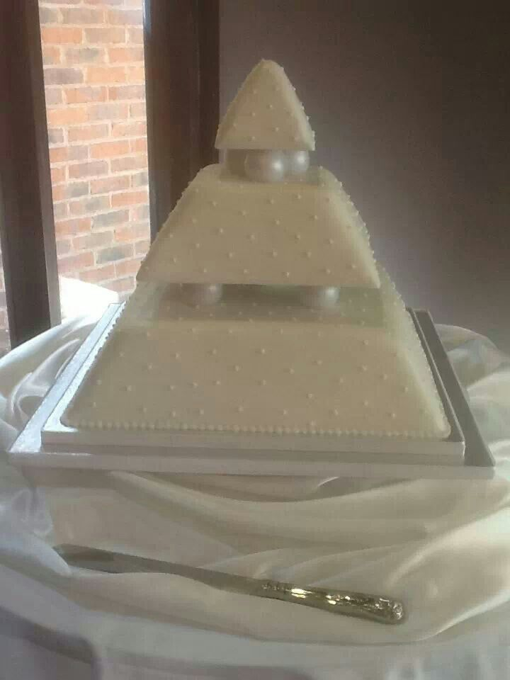10 Best Images About Pyramid Cake On Pinterest
