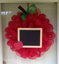 25+ best ideas about Teacher wreaths on Pinterest | Crayon ...