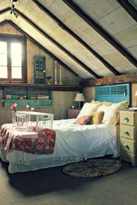 sleeping nook - shutter headboard   Home Ideas   Pinterest ...